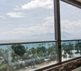 tambalkon giyotin cam balkon sistemleri desktop referansları Albert Genau Cam Balkon (2)